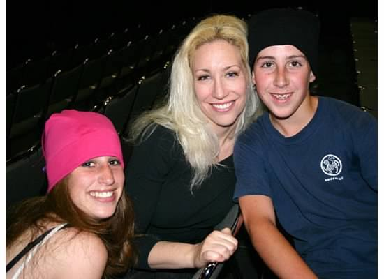 Linda Schaver with her children Brittany and Cameron